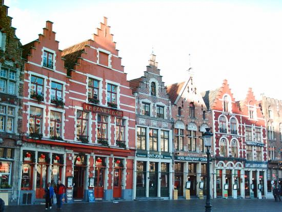 place du march de bruges. Black Bedroom Furniture Sets. Home Design Ideas